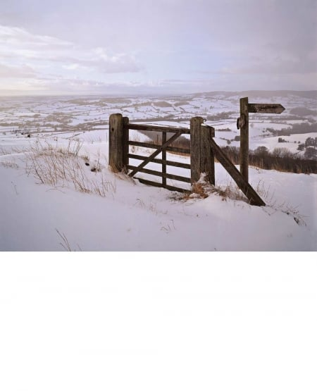 Cleveland Way at Whitestone Cliff, winter