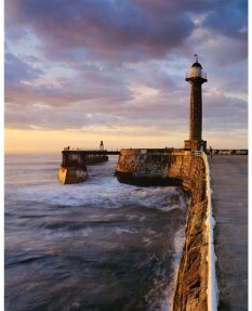 Harbour light, Whitby